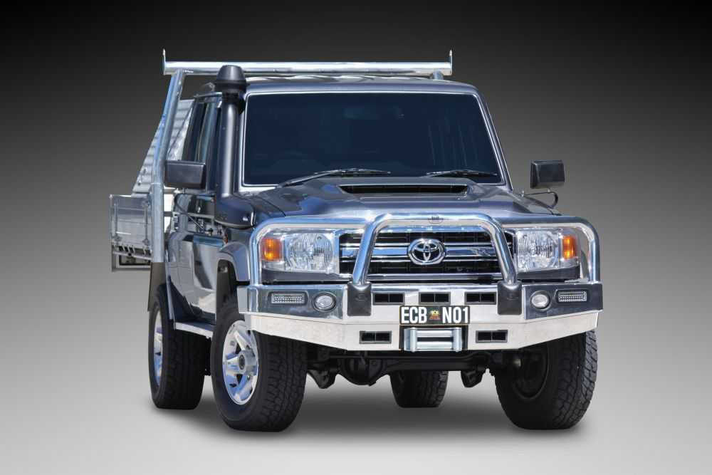 TOYOTA LANDCRUISER 78 SERIES Big Tube Bar® Winch Compatible with Bumper Lights (11/16 to )
