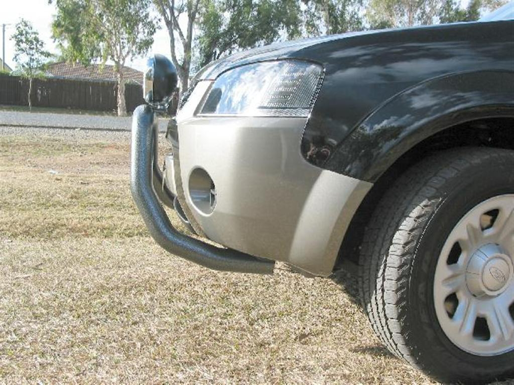 FORD TERRITORY  76mm Nudge Bar (05/04 to 04/09)